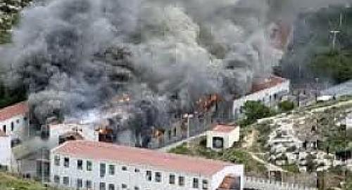 Allarme a Lampedusa: incendiato centro d'accoglienza dai clandestini